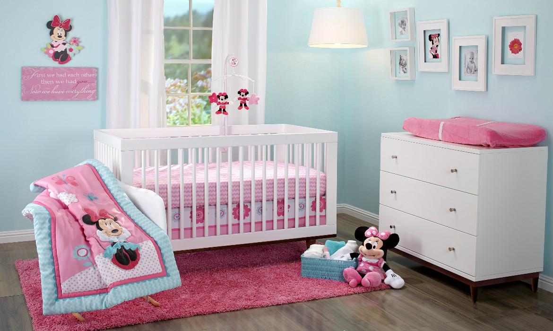 Mickey e Minnie na decoração do quarto de bebê  Quarto para bebê