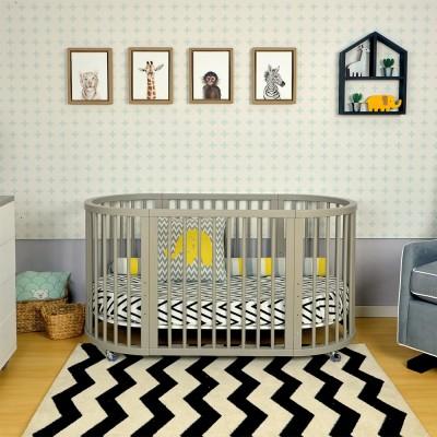 quarto de bebe com berco colorido.08