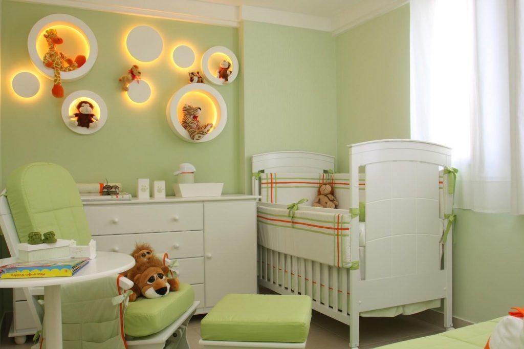 Decoração: quarto de bebê com parede verde