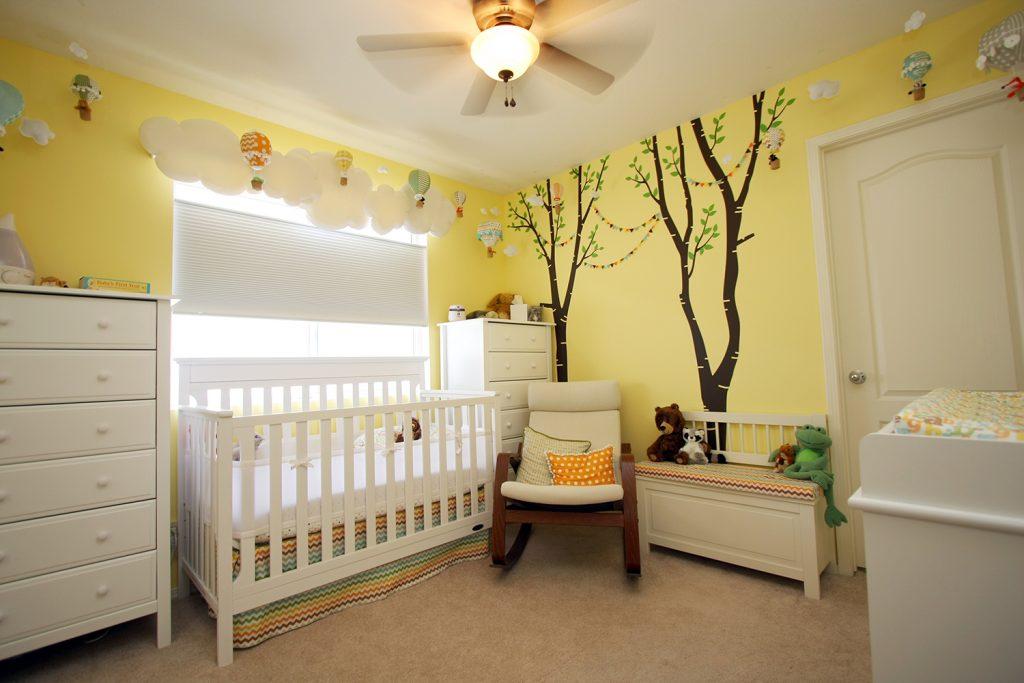 Quarto de beb amarelo mais de 900 quartos de beb - Pintar piso colores neutros ...
