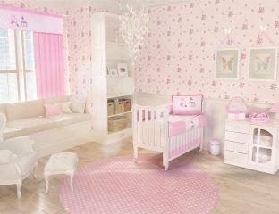 quarto de bebê rosa e com decoração de borboletas