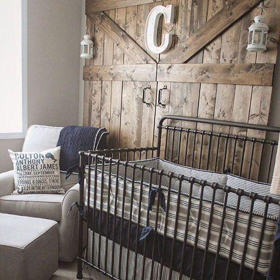 parede rústica de madeira