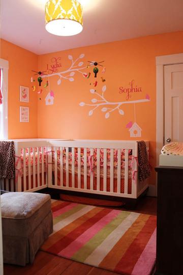 quarto de bebê laranja
