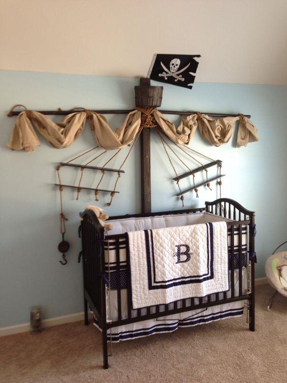 quarto de bebê com tema pirata