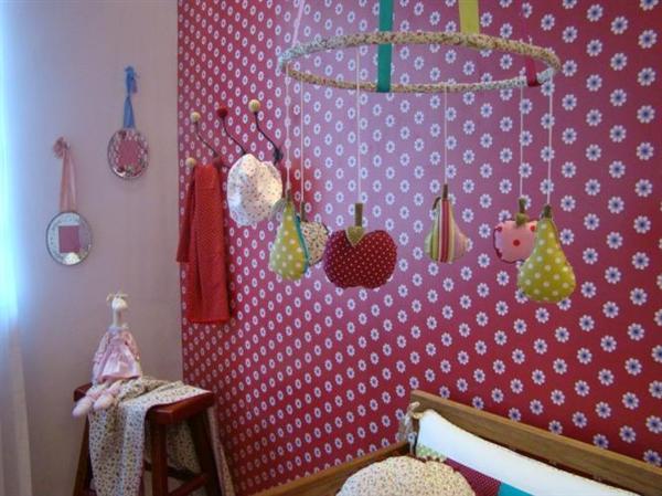 quarto do bebê com reciclados