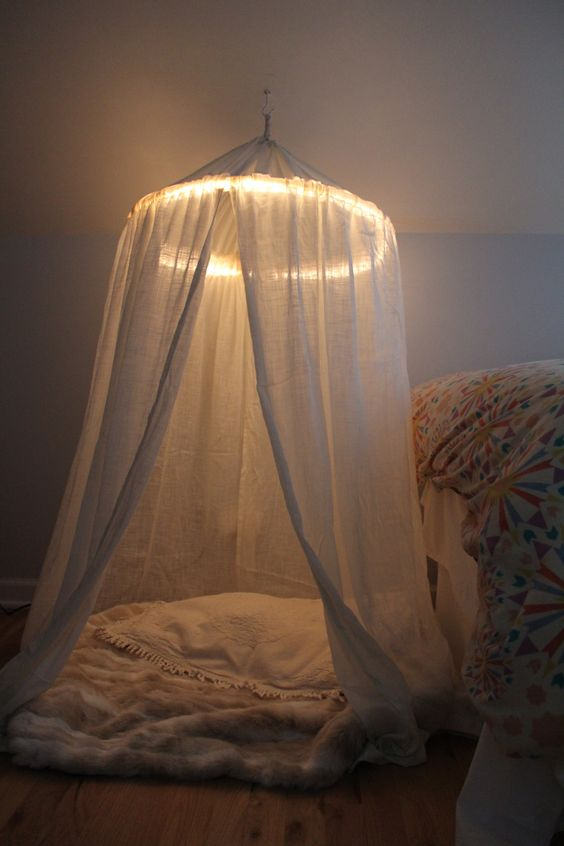 Tendas suspensas - iluminada