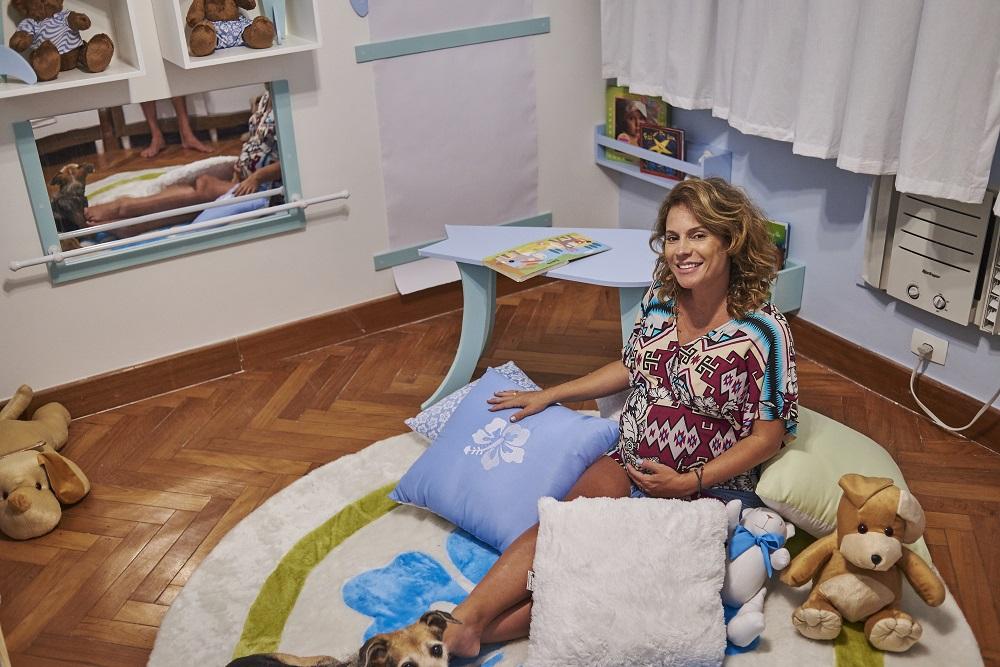 Quarto Montessoriano Surf: Maíra Charken adorou o resultado final do projeto. Créditos: Divulgação/Grão de Gente