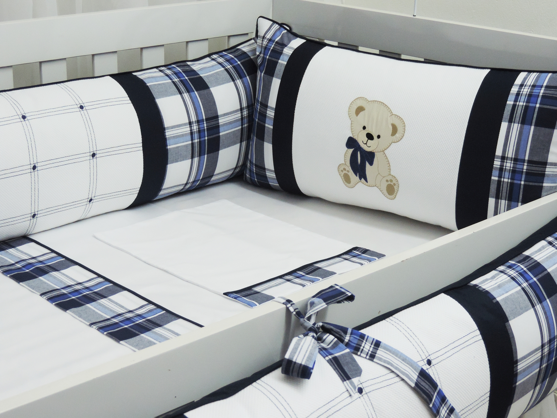 kit berço teddy marinho