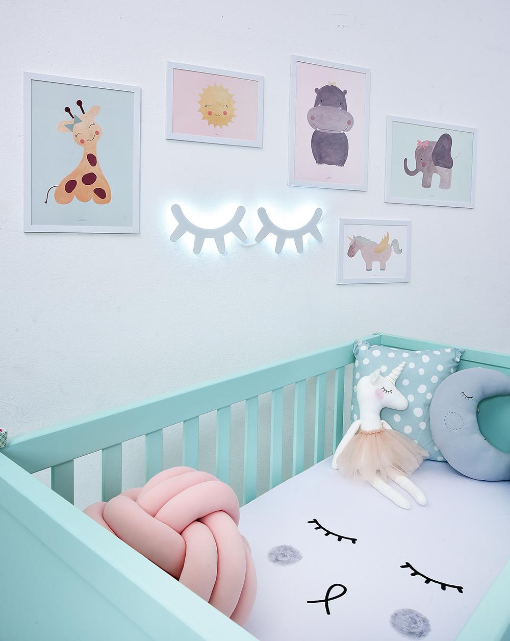 Quarto De Beb Divertido 10 Ideias Para Animar A Decora O ~ Decoração De Quarto Com Luzes E Quarto Simples Para Bebe