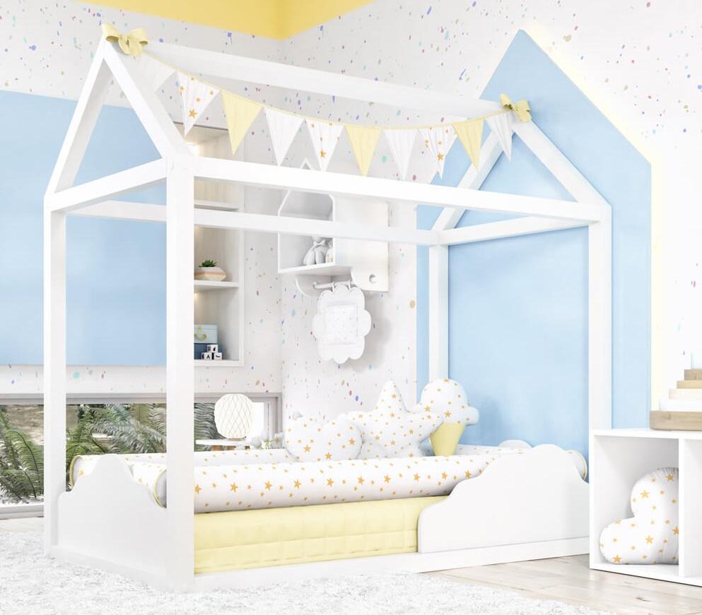 quarto de bebê com nuvem