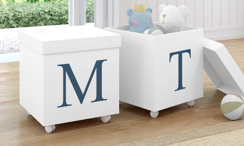 caixa-organizadora-para-brinquedos-branca-com-inicial-do-nome-personalizada-azul-marinho-224145