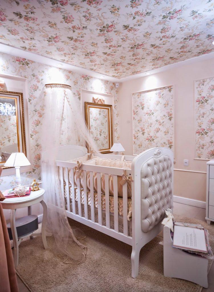 boiserie no quarto de bebê